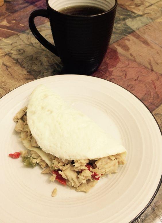 Tortilla de clara de huevo con tuna caliente y te verde con gengibre ...