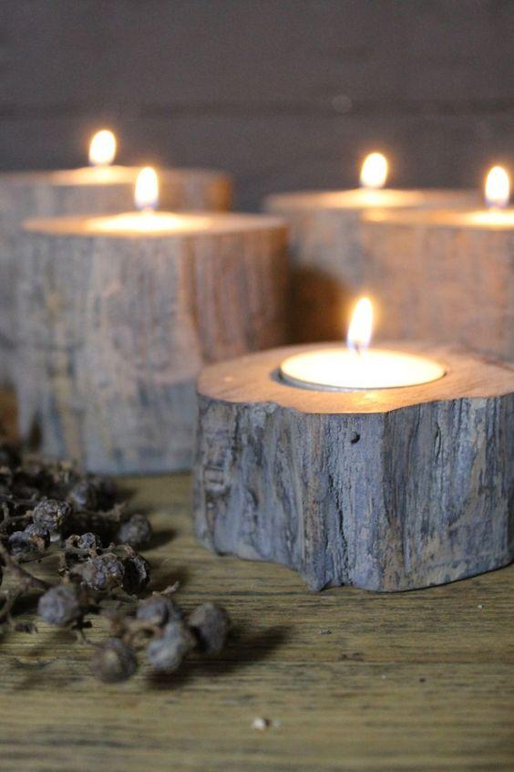 Waxinelichthouder van hout in 3 verschillende maten.