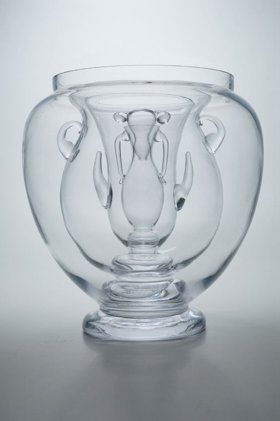 Joana Meroz & Andrea Bandoni: The Object Without A Story (The Archetypal Vase), 2009. Sammlung mudac, Lausanne