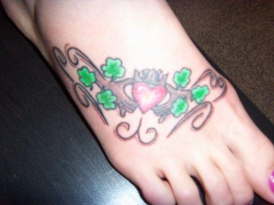 irish claddagh tattoo friendship love loyalty tattoos pinterest friendship loyalty. Black Bedroom Furniture Sets. Home Design Ideas
