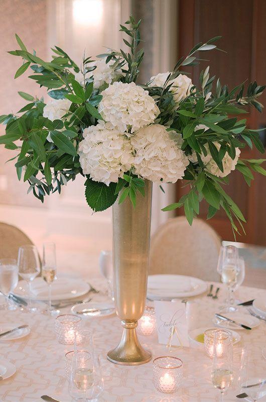 Weddings At Charleston S Hotel Bennett Make Their Debut Flower Centerpieces Wedding Charleston Wedding Charleston Wedding Photographer