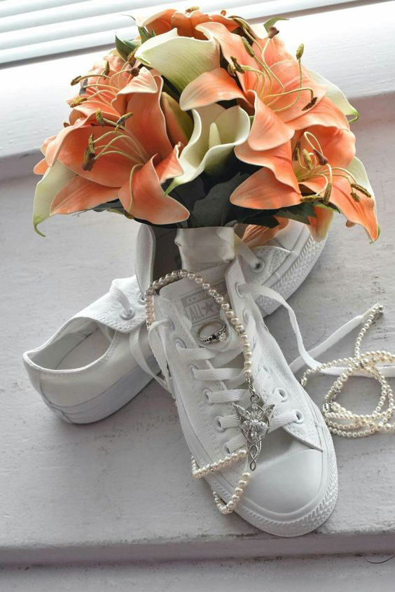 Wedding accessories picture! Pearls, tigerlily,  Converse!