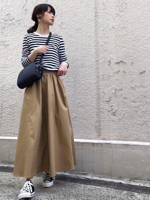 コーデ ベージュ ロングスカート Google 検索 控えめファッション 衣類 ファッション
