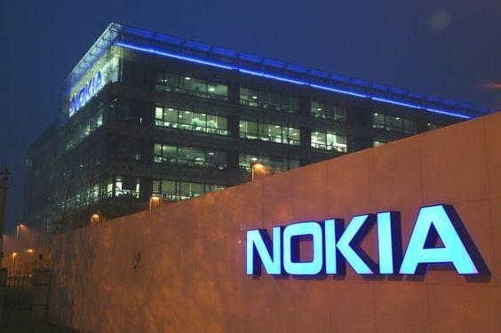 Nokia voltará e licenciará smartphones em 2016 - http://hexamob.com/pt-br/news-pr-br/nokia-voltara-e-licenciara-smartphones-em-2016/