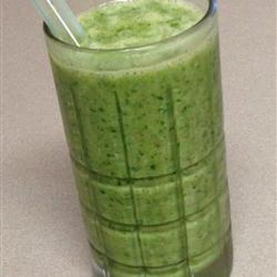 Green Smoothie Recipe Beverages with bananas, kale, flax seed meal, coconut oil, milk, orange juice