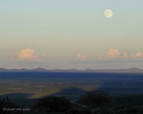 Harvest Moon on September 18, 2013 from EarthSky Facebook friend Dan Gauss in Deming, New Mexico.
