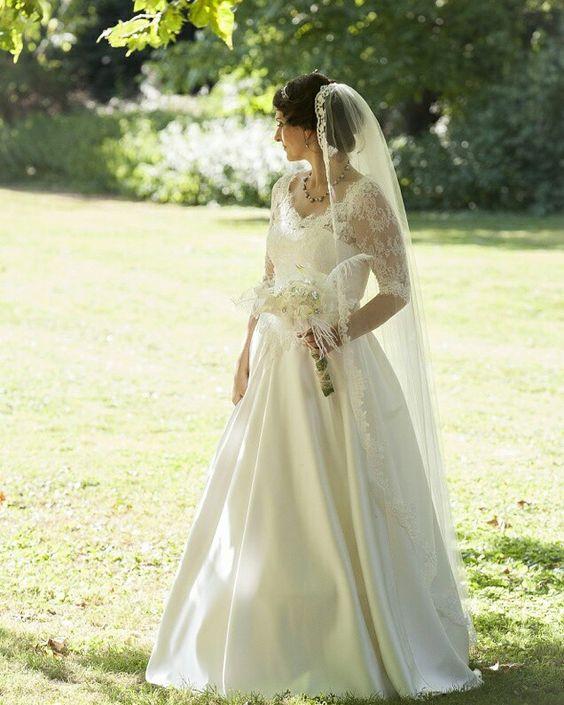 Gatsby Wedding im Cinderella-Kleid 😍! #brautmodeköln #brautkleid #cinderella #hochzeitskleid #dreamwedding #hochzeit #wedding #gatsby #gatsbywedding #bereisedieweltzuzweit #hochzeitsfieber #schleier #spitzenkleid #weddingdress