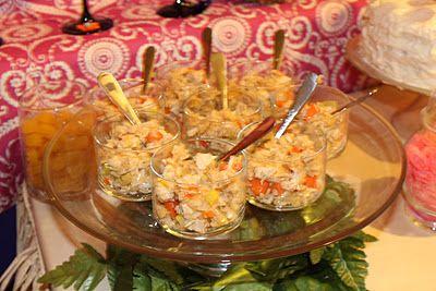 Hawaiian Party Food Recipes!  http://whatyoumakeit-coley.blogspot.com/2012/01/hawaiian-party-food-recipes.html