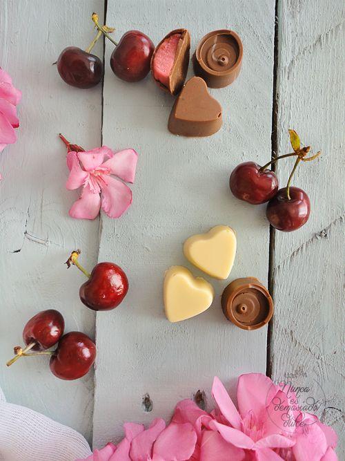 Bombones rellenos de Cerezas y Chocolate Blanco
