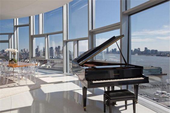 extravagantes penthouse mit großzügier dachterrasse in der nähe ...