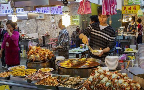 Chợ đêm Miếu Khẩu nổi tiếng với các món hải sản