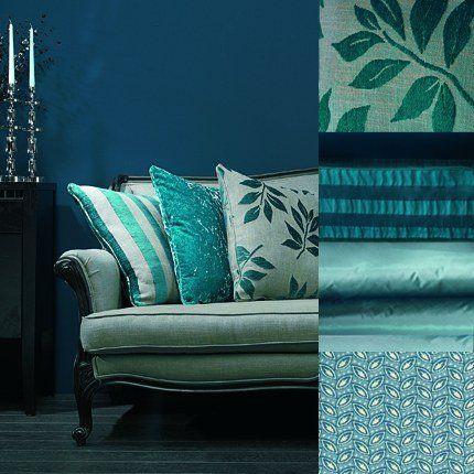 Esprit boudoir, un petit salon bleu | Turqs and indigo living room ...