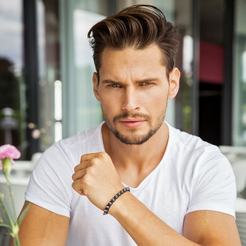 What S The Best Hairstyle For Your Face Shape Face Shape Hairstyles Men Thin Beard Diamond Face Hairstyle