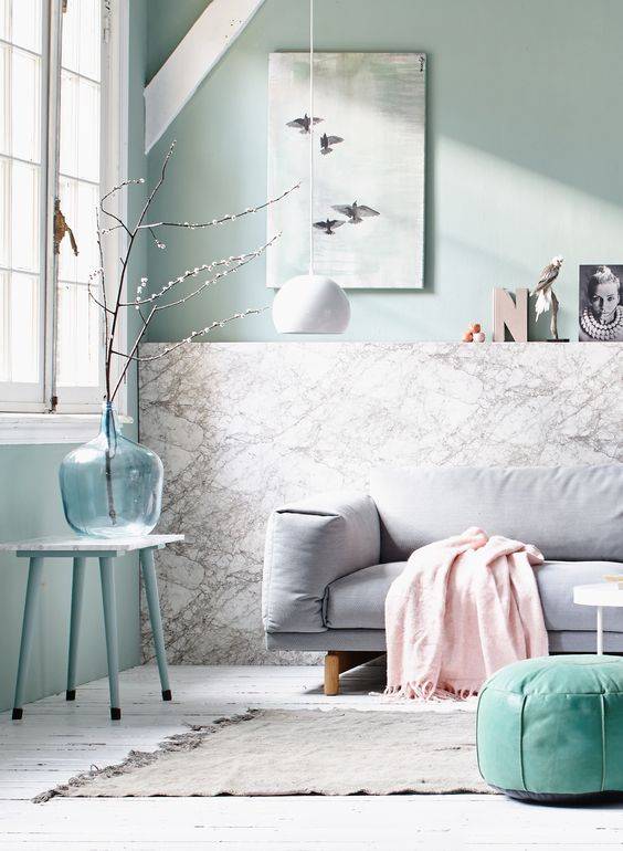 Pastel and marble living room with light blue accessoires. Light Dot by vtwonen, grey couch by First or Second and accessoires by Maison NL, Couleur Locale, Van Dijk & Ko, HK living, Sissy-Boy and white wooden floor by De Oude Plank. | Styling @cscheulderman & @fransuyterlinde| Photographer Jansje Klazinga & Jeroen van der Spek | vtwonen May 2015 | #vtwonencollectie: