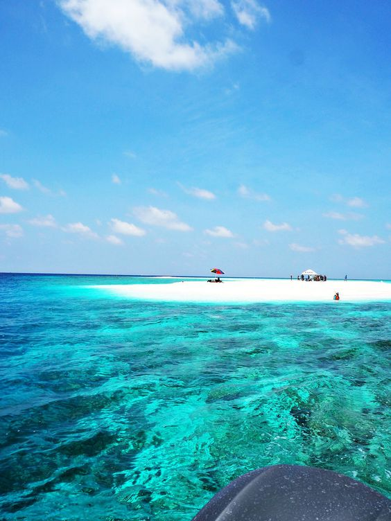 The Little Magpie: The Maldives: Visiting A Completely Uninhabited Is...