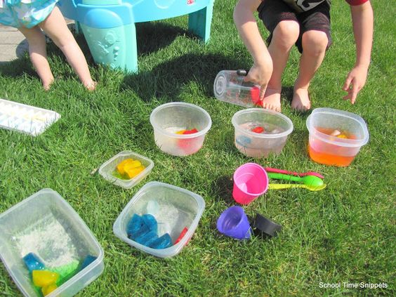 Tot School with Abby: Letter M Mixing & Melting colors with colored ice cubes.
