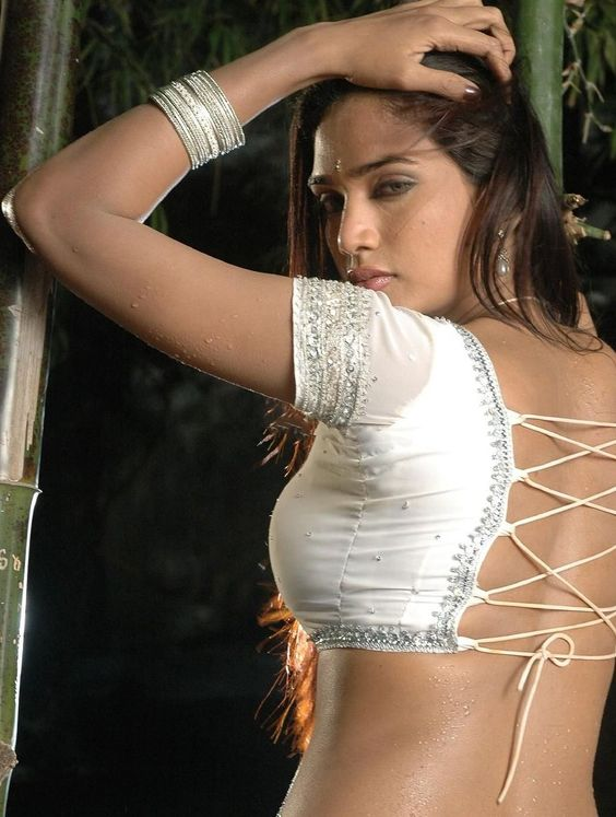 ramya in blouse back hot view   1000 1325 saree pinterest
