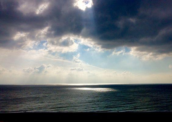 Hole in the sky @ Brighton