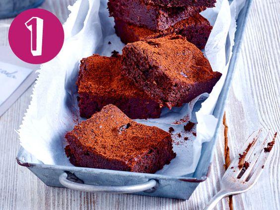 Mein Top 5-Kuchen ganz ohne Mehl: Avocado-Brownies, Himbeer-Kokos-Kuchen, Ricotta-Mandel-Kuchen, schwedische Mandeltorte und Orangen-Schoko-Kranz.
