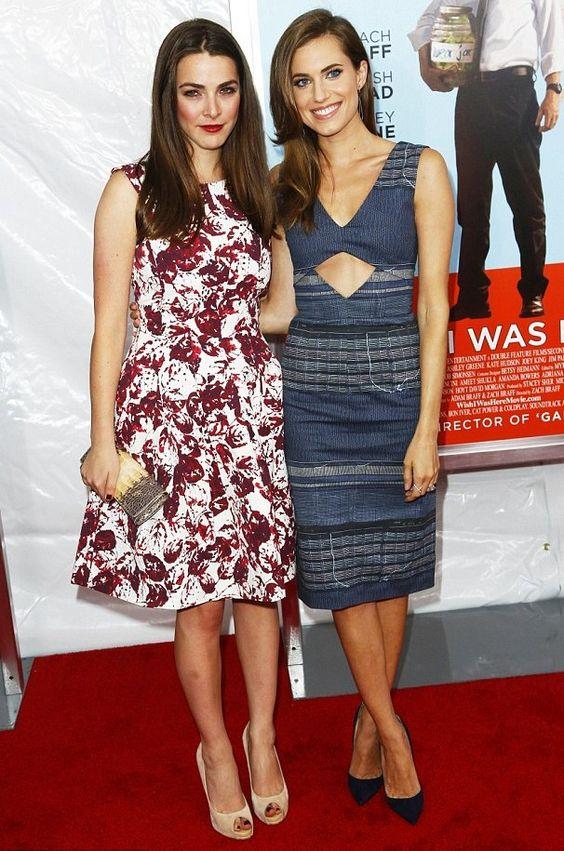 Allison Williams con un vestido de Altuzarra en la premiere de la película Wish I Was Here