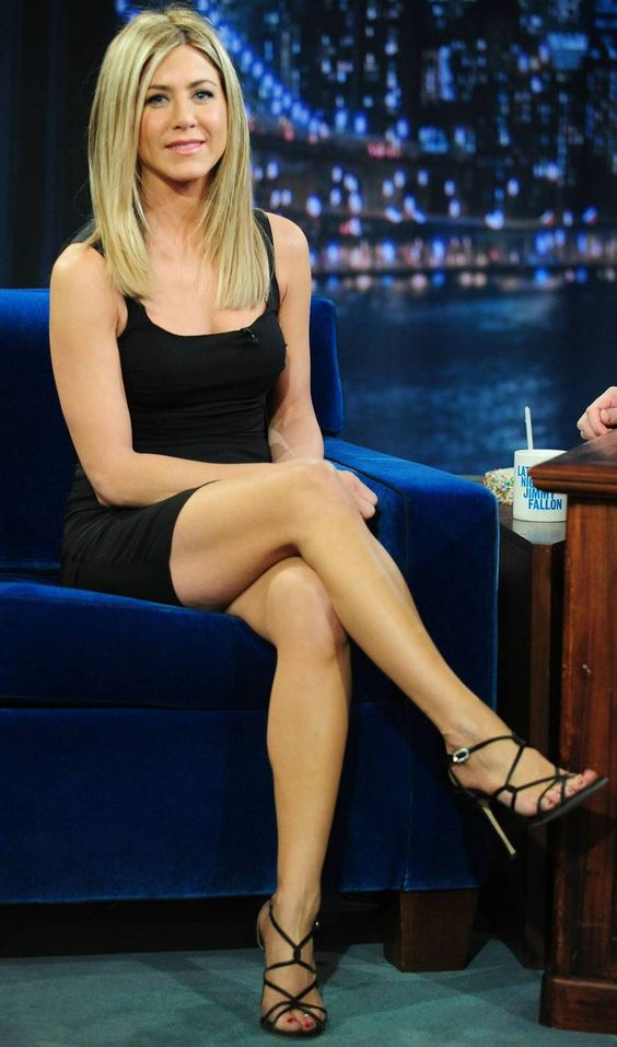 Jennifer Aniston Legs Fallon | Jennifer Aniston ...