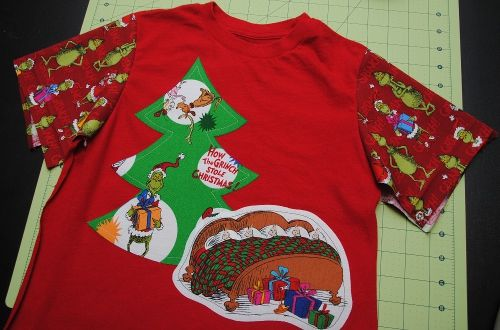A Christmas Tee in a Twinkling . . . | Skip To My Lou