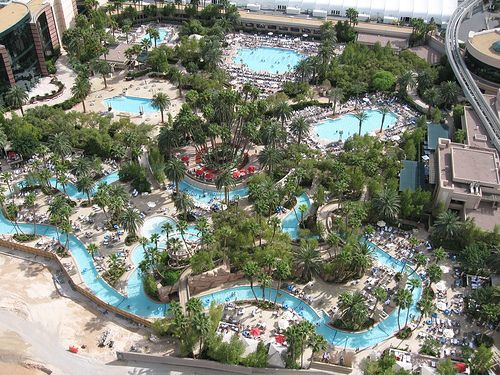 Mgm Grand Pool And Lazy River Check Out Celebs Spotted At Mgm Grand Hotel Casino Http