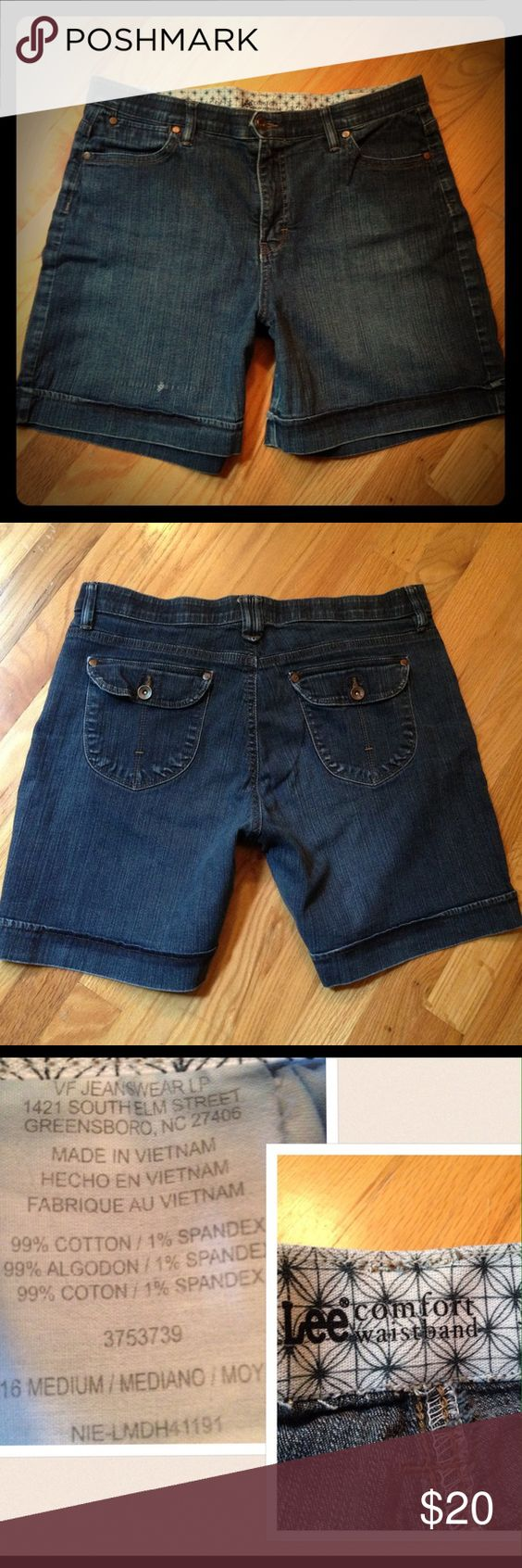Lee Comfort Waistband Jean Shorts Sz 16 Lee Comfort Waistband Jean Shorts Sz 16  Used Jean with Snag on front note picture, other than that great Condition Lee Shorts Jean Shorts