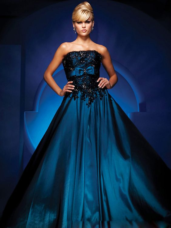 Astonishing Dark Royal Blue Taffeta Black Lace Strapless Sleeveless Ball Gown Quinceanera Dress