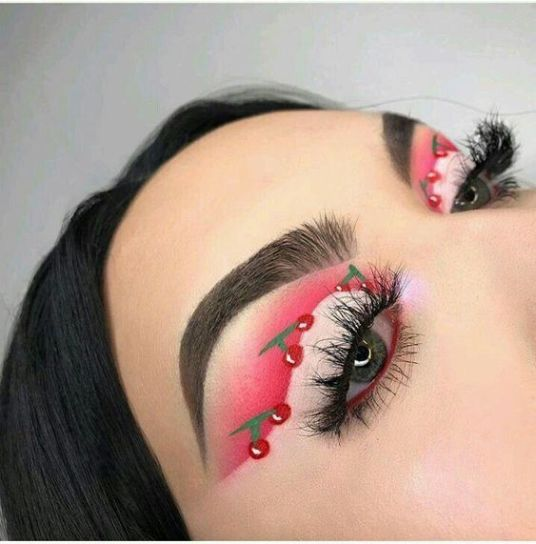12 Creative Makeup Looks You Need To Try Creative Eye Makeup