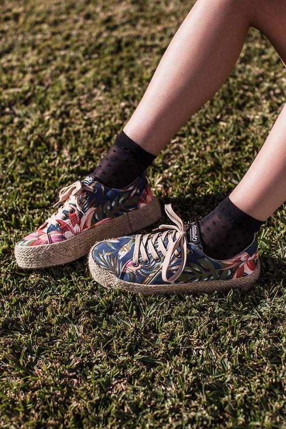 Après les escarpins élégants et confortables, #MTNG nous épate avec une nouvelle collection à l'inspiration florale: http://www.chausty.com/escarpins-mtng-at1598/