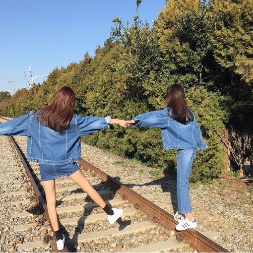 180句英文BESTIE CAPTIONS |  GOOD FRIENDS are hard to find, harder to leave and impossible to forget.