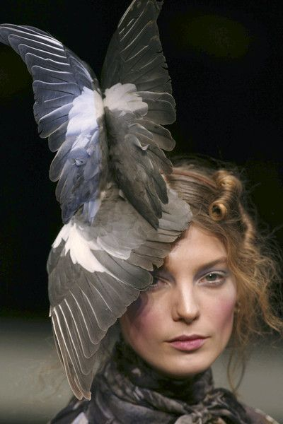 Phillip Treacy for Alexander McQueen Fall 2006