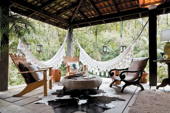 love the hammocks - a way to have a hammock even when there are no horizontal…