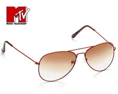 MTV brings you this exotic pair of sunglasses that defines the ultimate sophistication. Brown coloured aviator is the perfect embodiment of style and recurrent trend. Get an iconic look by adoring this sunglasses and protect your precious eyes from the harmful UV rays. You will be regarded as a fashionista.