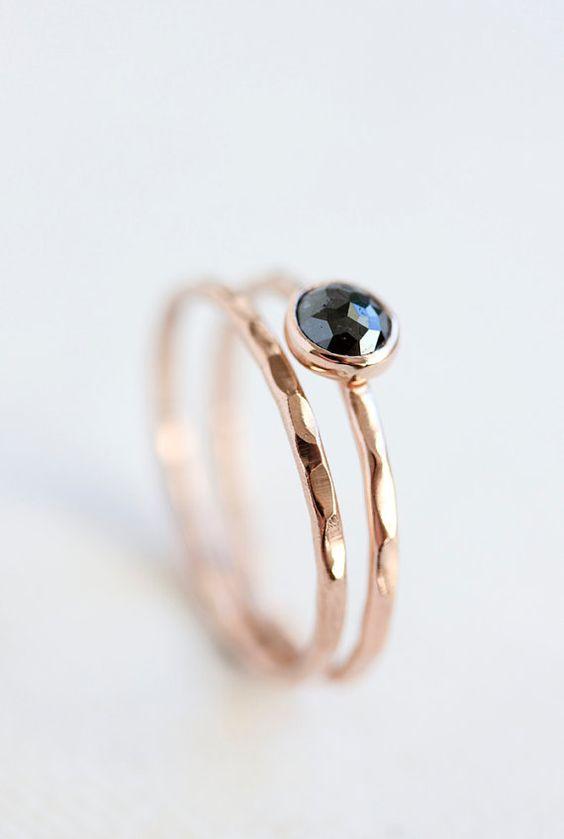 Taille rose black diamond bague, bague de fiançailles or rose, birthstone avril, anneau solide d'or k 14, mince bande or, eco friendly, or rose