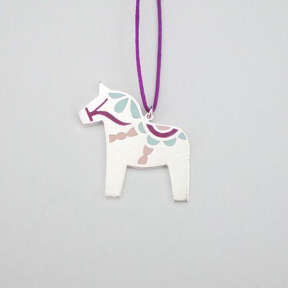 DALA Pferd Halskette / Polymer Clay und Sterling silber Halskette Dalapferd / Dalapferd-Anhänger