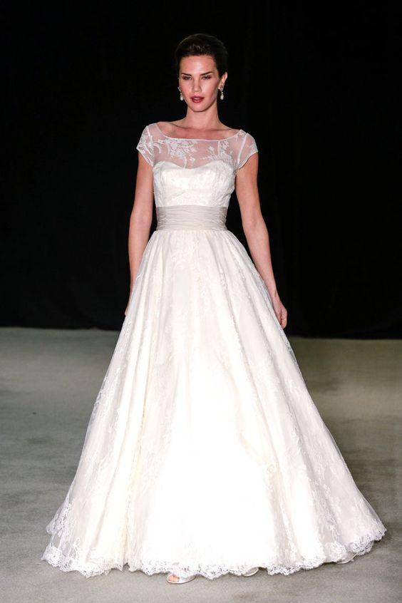 Pin for Later: Les Plus Belles Robes de Mariée de la Bridal Fashion Week Automne 2014  Anne Barge Bridal Autumn 2014