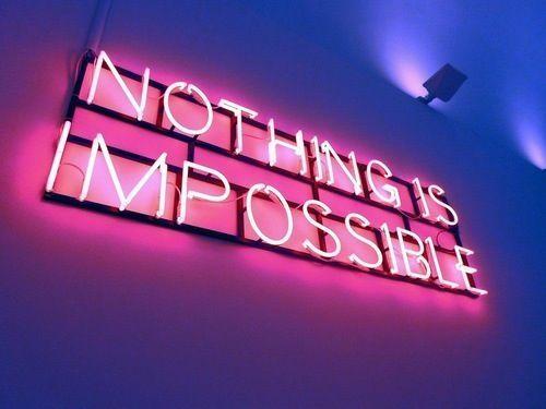 """Alejandro: Rotulo con frase de apoyo moral en momentos malos, de significado""""Nada es Imposible"""" y en ingles es:'Nothing is impossible' ."""