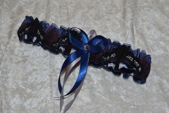 Dies ist unsere neu Dr. Wer Hochzeit Strumpfband festlegen!!    Das DR. WHO werfen Strumpfband ist auch in feinen Marine Organza, Dr. Who Stoff