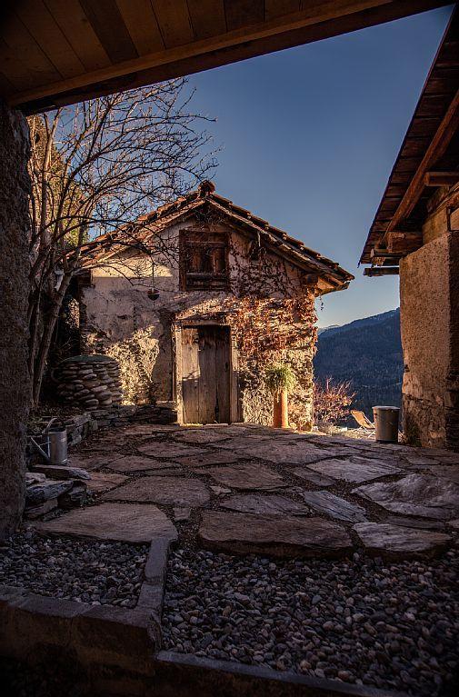 Casa Silvani in der Schweiz: 1 Schlafzimmer, für bis zu 4 Personen. Einzigartige Bijou mit atemberaubendem Blick auf die Schweizer Alpen | FeWo-direkt | sehr gemütlich, aber sehr klein
