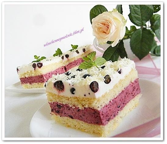 Blueberry cake with egg liqueur (recipe by clicking on the picture) #cake #recipe #cooking #cream