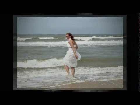 Trouwen op het strand in Castricum aan Zee (Noord-Holland) - Karin en René (29 juni 2012) | http://www.allround-fotografie.com/fotonieuws/trouwen_op_het_strand_karin_en_rene_201206/ | #Trouwvideo | #Bruiloft| #Trouwdag | Wedding photographer | Wedding video | #Bruidsreportage | #Trouwreportage | #Castricum | #strand | #NoordHolland