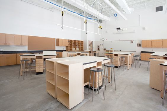 Middle School / architecture / schoolroom