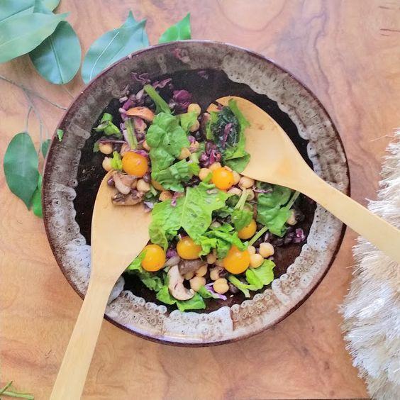 Lady Naomi Williams: Food | Garbanzo & Black Bean Raw Bowl