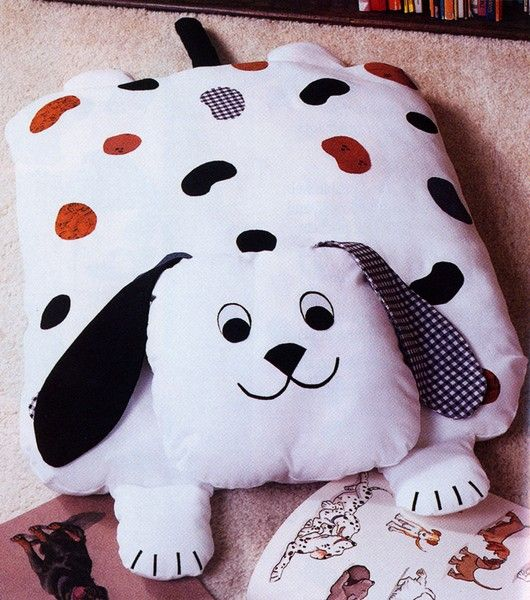 Animal Pillow Patterns Free : Free pattern, Free puppies and Pillows on Pinterest