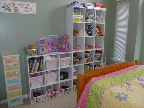 cubes for organizing little girl rooms