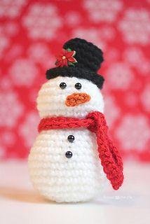 Patrons gratuits de bonhommes de neige au crochet anglais - Bonhomme de neige au crochet ...