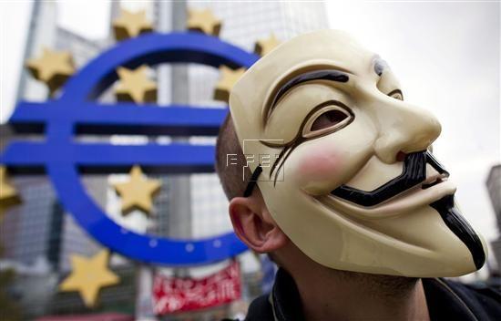 NTERNET SEGURIDAD  La crisis económica multiplicará el cibercrimen  Madrid, 10 may (EFE).- La crisis económica incrementará el cibercrimen, un tipo de delincuencia que persigue sobre todo el robo de datos para sustraer dinero y que se aprovecha del halo de invisibilidad con la que actúan los cibercriminales.