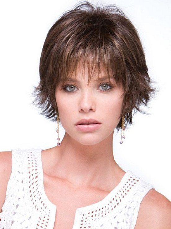 Short layered hairstyles for fine thin hair that very matching with thin bang
